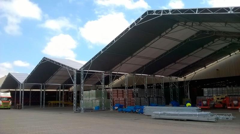 Cobertura membrana técnica (lona) tenda